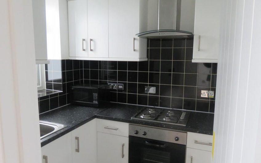 Newly refurbished 2 bed flat available in Stoke Newington