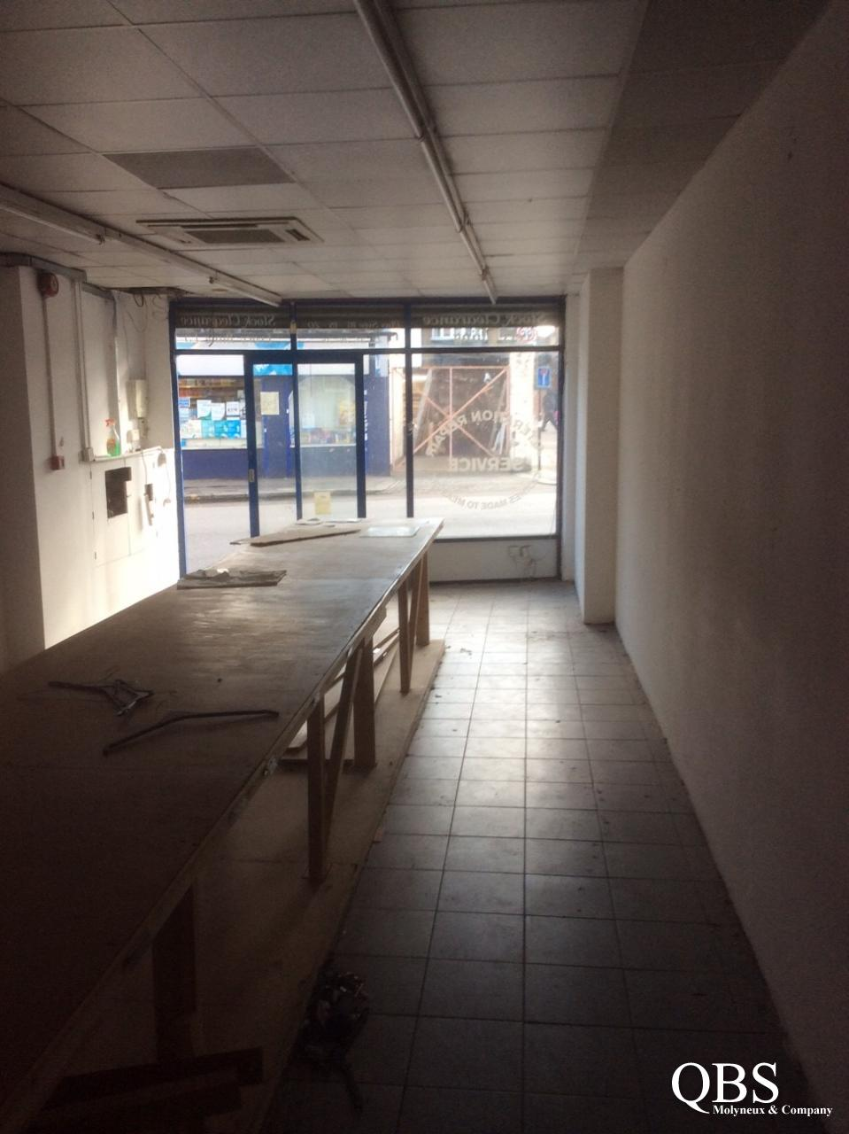 Large shop to rent – White Hart Lane – CURRENTLY LET